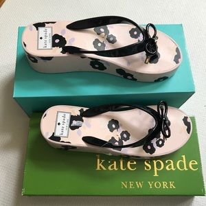 KATE SPADE 🛍Blush Black Floral WEDGE Flip Flop